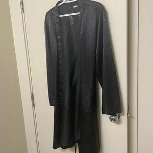 Laundry by Shelly segal silk nightwear